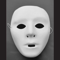 Plastová maska na obličej, bílá