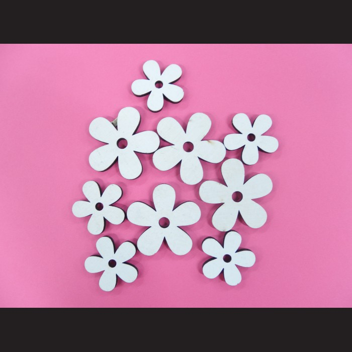 Dekorativní dřevěné výřezy květů, 9 ks