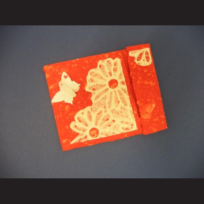 Přání - ruční papír s kytkou a motýlem