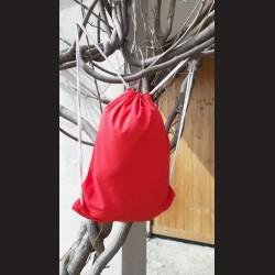 Bavlněný vak na záda červený - red e se šňůrami. Vhodný k dalšímu dotvoření, např. barvami na textil, vyšíváním aj.