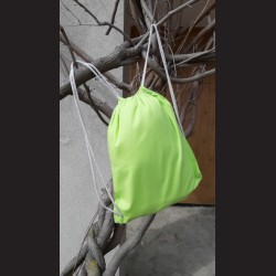 Bavlněný vak na záda limetkový - limenade se šňůrami. Vhodný k dalšímu dotvoření, např. barvami na textil, vyšíváním aj.