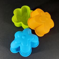 Forma na odlévání, květy, 6ks, vhodné na odlévání sádry, kreativního betonu, mýdlové hmoty, samotvrdnoucí hmoty nebo polymerovýc