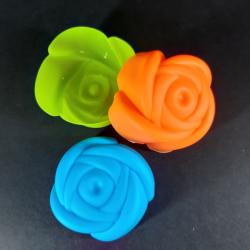Forma na odlévání, růže, 6ks, vhodné na odlévání sádry, kreativního betonu, mýdlové hmoty, samotvrdnoucí hmoty nebo polymerových