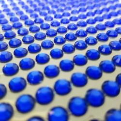 Modré nalepovací krystaly k dekorativnímu dotvoření, např. čelenek, prstýnků, pozvánek aj. Lepicí, nalepovací.