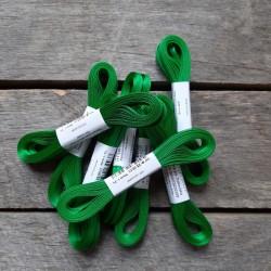 Taftová stuha, trávově zelená, 4 mm x 10 m, mašle, vhodné pro dekoraci, dárková balení, scrapbooking a další kreativní tvoření.