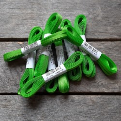 Taftová stuha, jarní zelená, 4 mm x 10 m, mašle, vhodné pro dekoraci, dárková balení, scrapbooking a další kreativní tvoření.