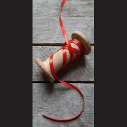 Atlasová stuha, jahodová červená, 6 mm x 32 m, mašle, vhodné pro dekoraci, dárková balení, scrapbooking a další kreativní tvořen
