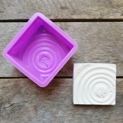 Forma na odlévání, list na hladině, vhodné na odlévání sádry, kreativního betonu, mýdlové hmoty, samotvrdnoucí hmoty nebo polyme