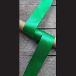 Atlasová stuha, zelená, 38mm, mašle, vhodné pro dekoraci, dárková balení, scrapbooking a další kreativní tvoření.
