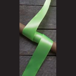 Atlasová stuha, neon. zelená, 38mm, mašle, vhodné pro dekoraci, dárková balení, scrapbooking a další kreativní tvoření.
