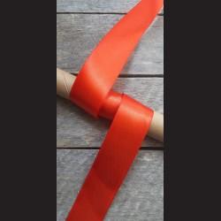 Atlasová stuha, jahodově červená, 38mm, mašle, vhodné pro dekoraci, dárková balení, scrapbooking a další kreativní tvoření.