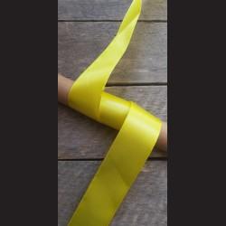 Atlasová stuha, žlutá, 38mm, mašle, vhodné pro dekoraci, dárková balení, scrapbooking a další kreativní tvoření.