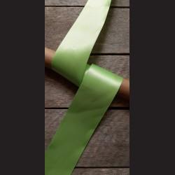 Atlasová stuha, světle zelená, 50mm, mašle, vhodné pro dekoraci, dárková balení, scrapbooking a další kreativní tvoření.