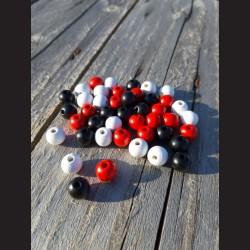 Dřevěné korálky MIX červené, bílé, černé 10 mm-50g vhodné na korálkování, výrobu lapače snů, pedig. Vhodné po děti i do