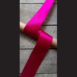 Atlasová stuha, purpurová, 50mm, mašle, vhodné pro dekoraci, dárková balení, scrapbooking a další kreativní tvoření.