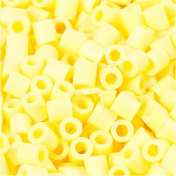 Korálky zažehlovací - světle žluté, 5 x 5 mm, 850ks